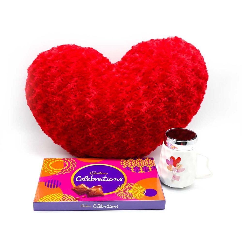 Heart-shaped cushion with Celebration and Mug